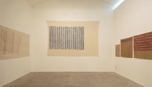 Verticale di Giorgio Griffa alla mostra Opere 1969....Allo Spazioborgogno in collaborazione con la Galleria Fumagalli. 2013.