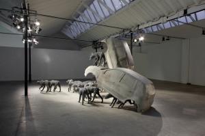 Analgesia di Paolo Grassino, alla mostra Percorso in tre atti. Fusioni in alluminio, installazione d'ambiente. Museo Pecci di Milano. 2012.Foto ZepStudio