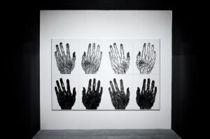 La Resa di Paolo Grassino, alla mostra Percorso in tre atti. Acrilico su carta, 4 dittici. Museo Pecci di Milano. 2008.Foto ZepStudio