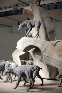 Particolare di Analgesia di Paolo Grassino, alla mostra Percorso in tre atti. Fusioni in alluminio, installazione d'ambiente. Museo Pecci di Milano. 2012.Foto ZepStudio