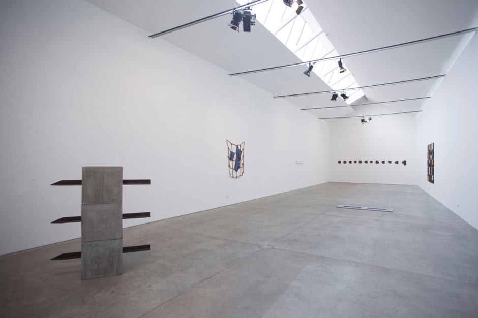 viewing the collection, 2013, veduta d'insieme
