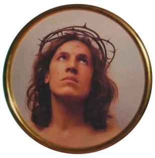 Ecce Homo, 1970 Fotografia su carta colore, tondo, cornice dorata