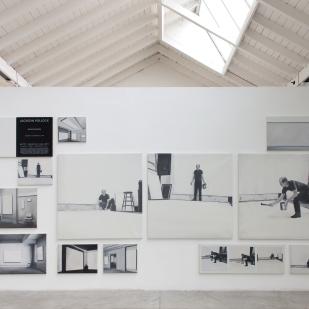 Toute une vie, tous les éléments, tous les documents, veduta della mostra, photo courtesy Antonio Maniscalco